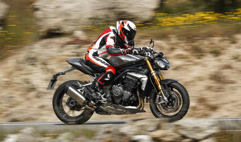 prueba triumph speed triple 1200 rs accion albacete texto 10