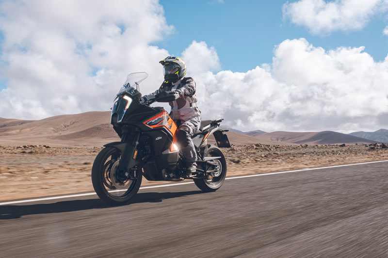 ktm 1290 super adventure s 2021 prueba accion carretera 02