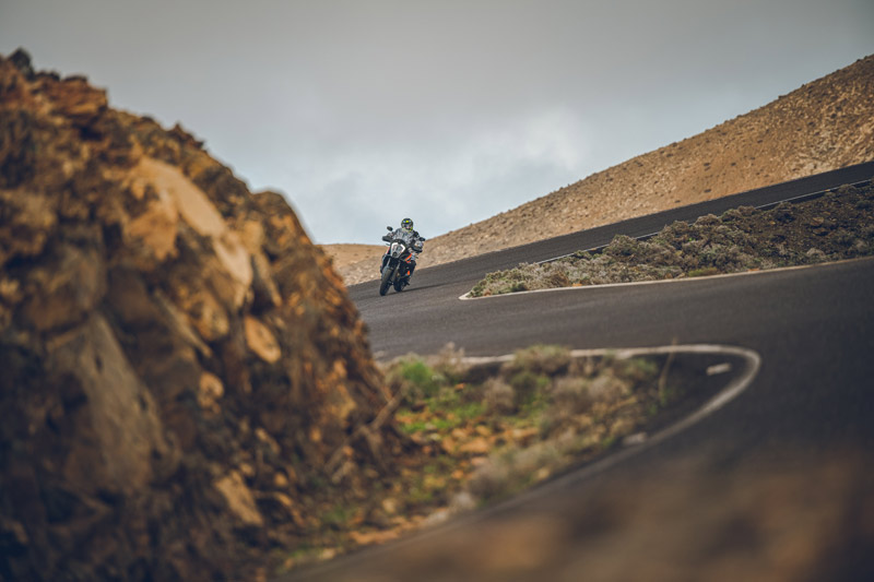ktm 1290 super adventure s 2021 prueba accion carretera 05