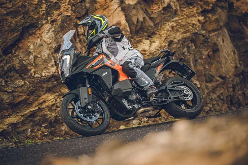 ktm 1290 super adventure s 2021 prueba accion carretera 06