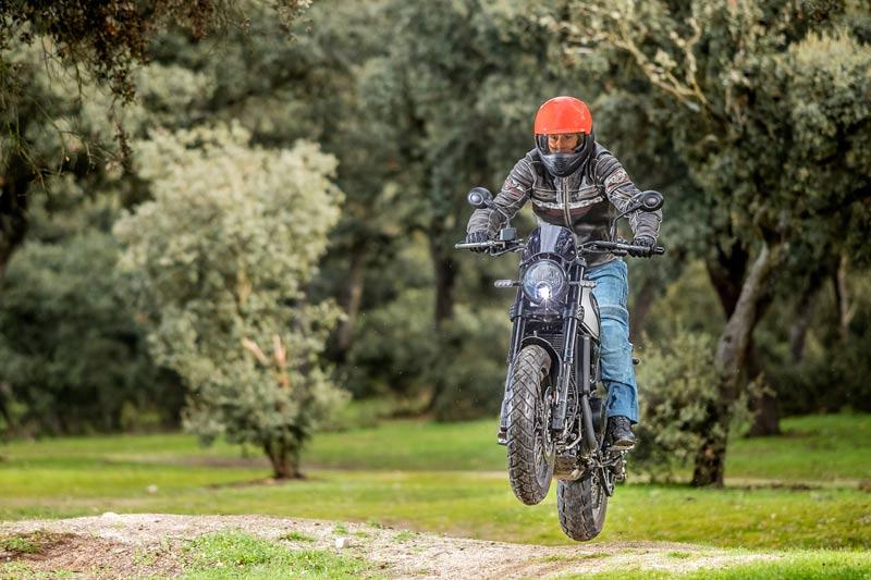 Prueba Benelli Leoncino 500 Trail: un día de furia (image)