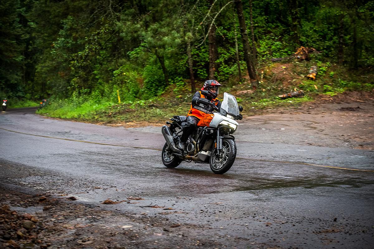 Harley-Davidson Pan America: primer contacto  (image)