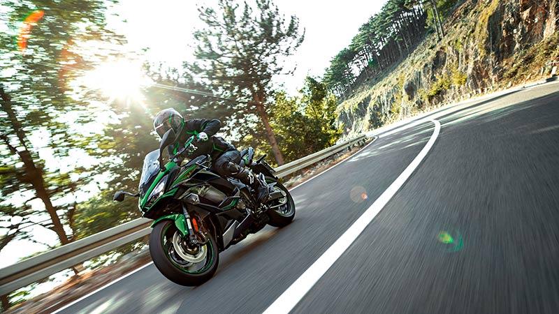 Kawasaki Ninja 1000SX y Vulcan S 2022: renuevan su imagen (image)