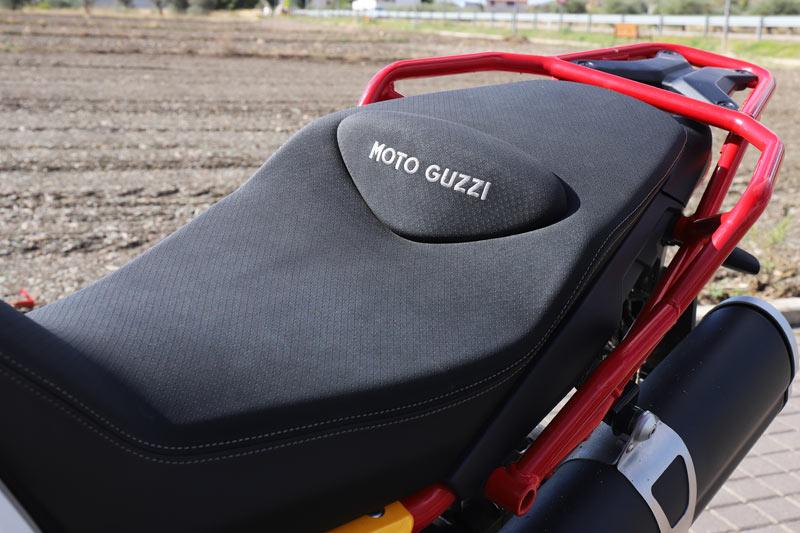 moto guzzi v85 tt prueba detalles 06