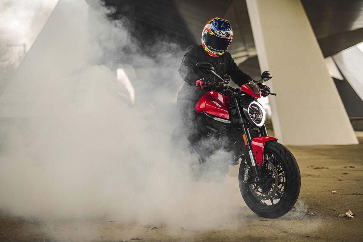 Contrincantes directas de la Ducati Monster (image)