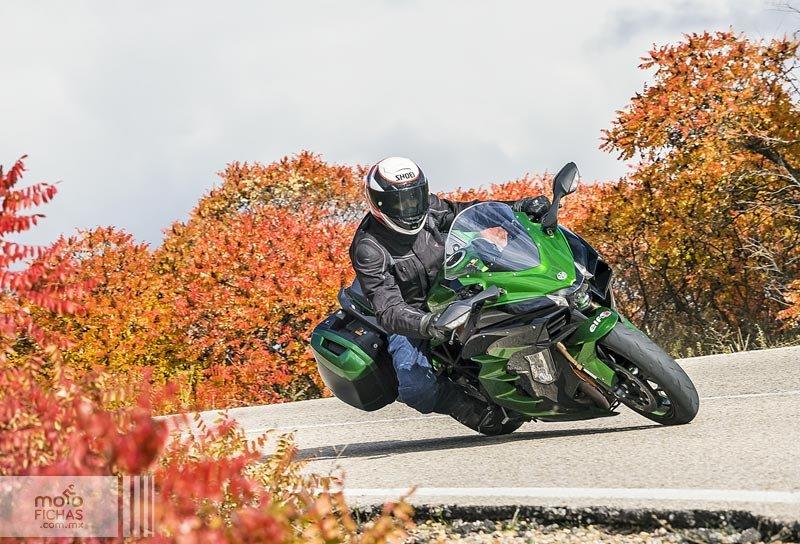 Prueba Kawasaki Ninja H2 SX SE: el sport-turismo es un gran invento (image)