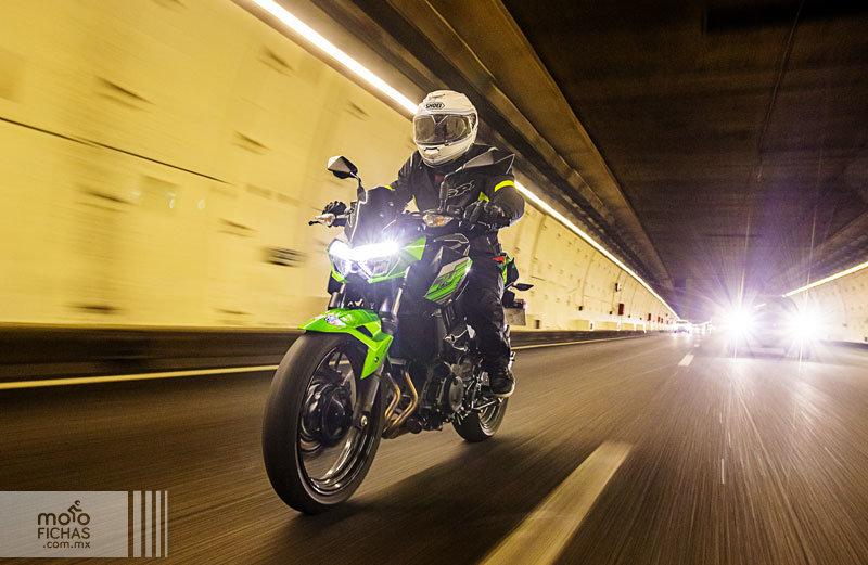 Prueba Kawasaki Z400: más guerrera (image)